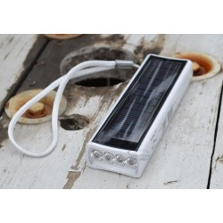 Solar Radio Flashlight with White Body: 4 units/Case