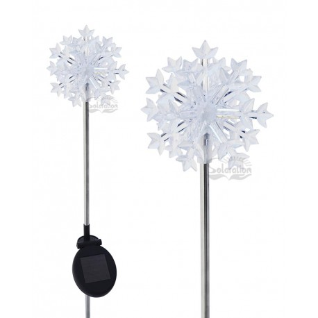 3D Snowflake Solar Garden Light: 1 unit/Package